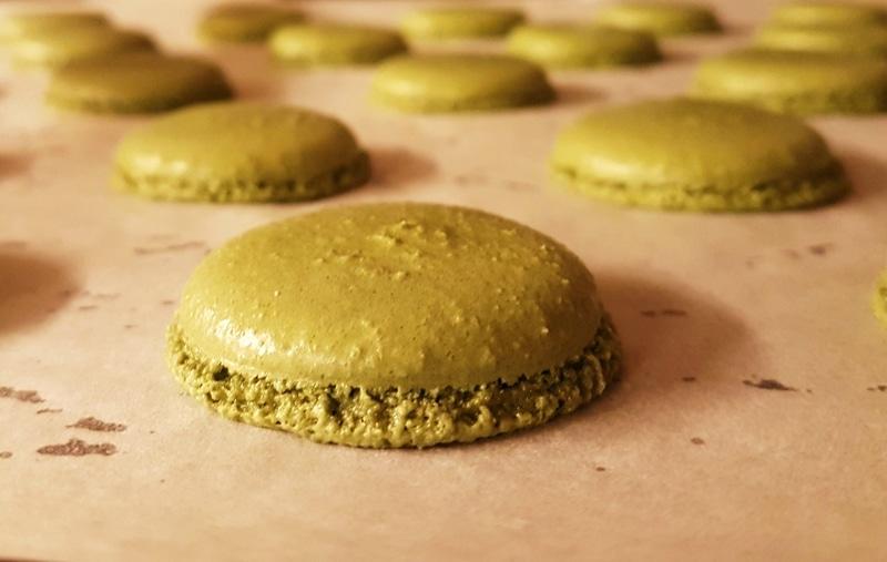 macaron-pistache-boulangerie-patisserie-nantes-ungraingourmand
